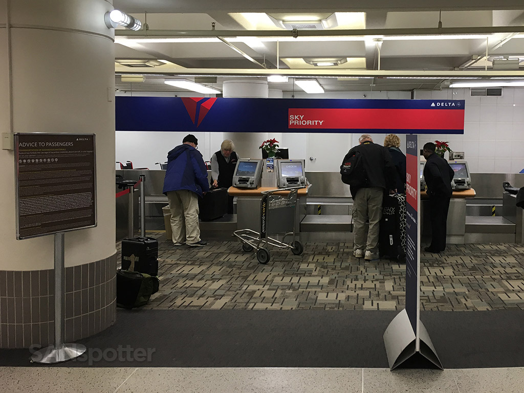 delta airlines check in MSP