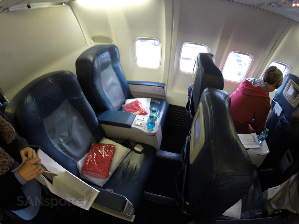 delta airlines 737-800 first class seat