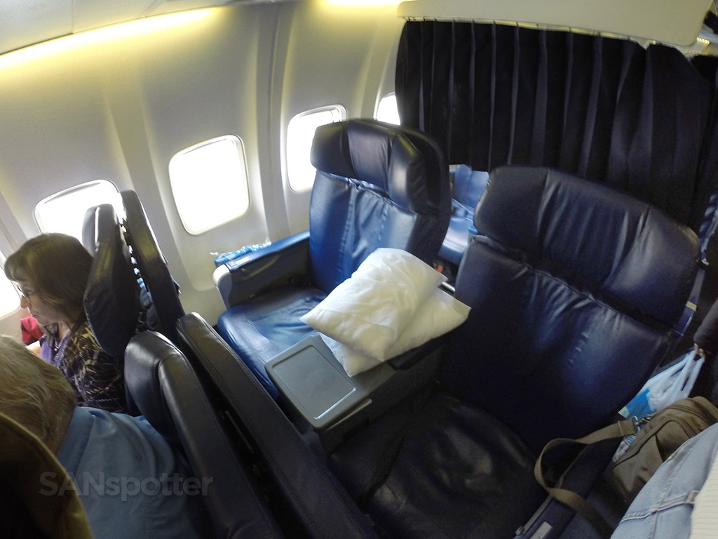 sun country airlines first class