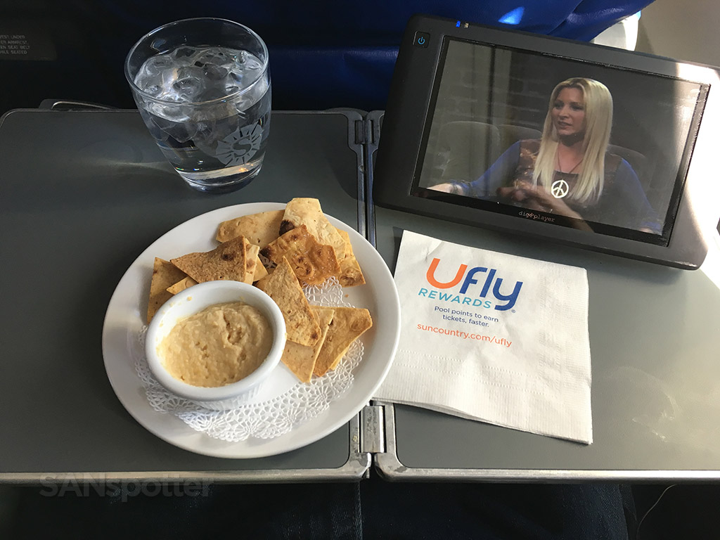 sun country first class snack