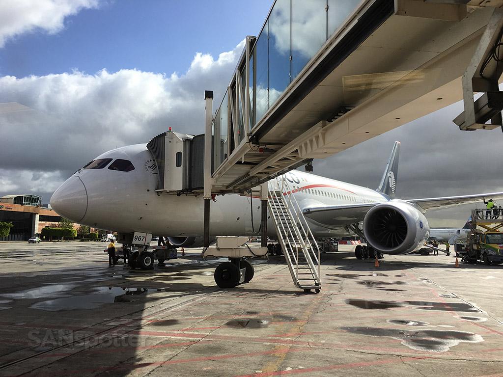 aeromexico 787 tijuana airport