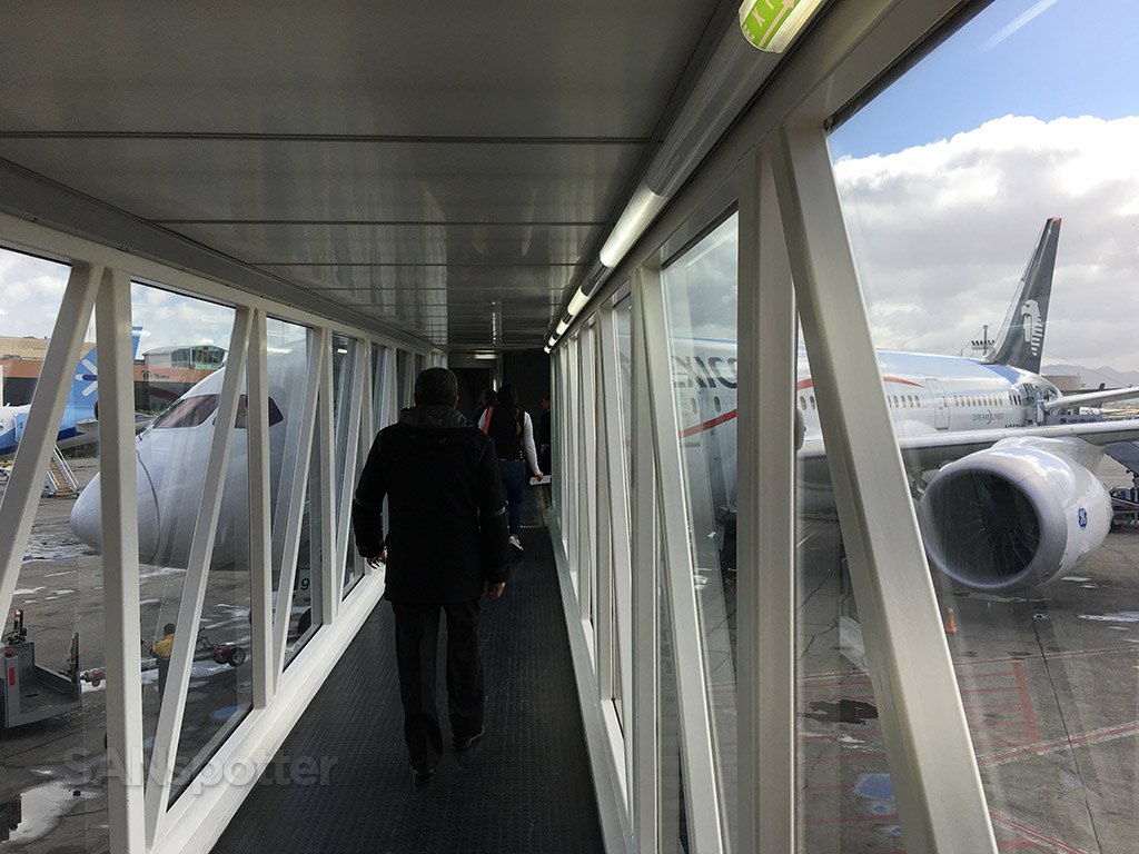 tijuana airport jet bridge