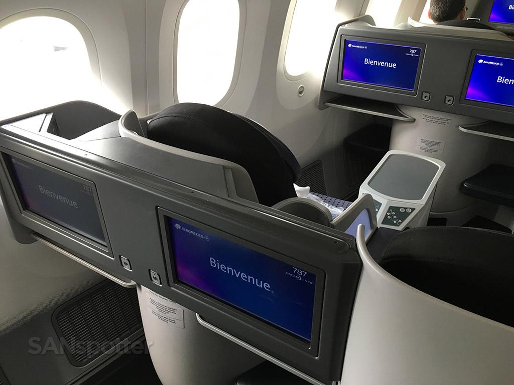 premier class lie flat seat