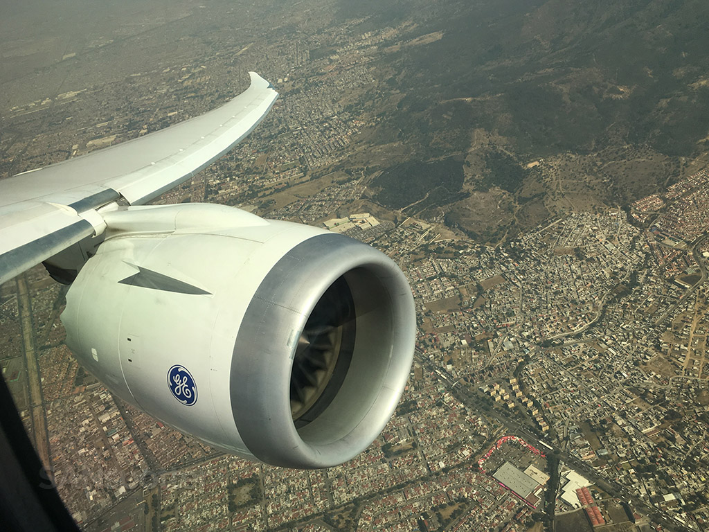 787 over mexico city