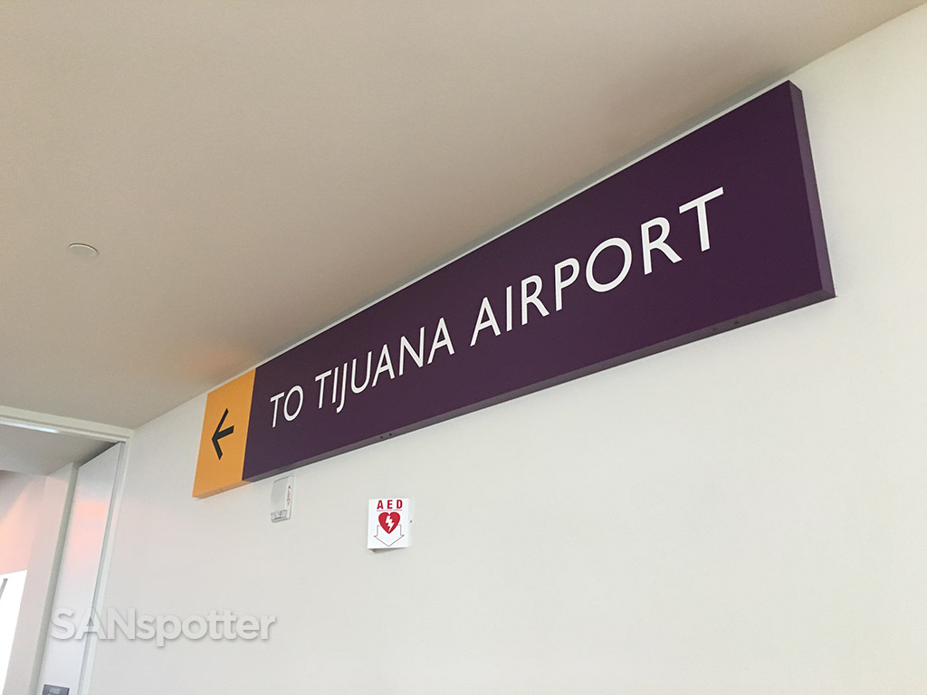 signs to tijuana airport