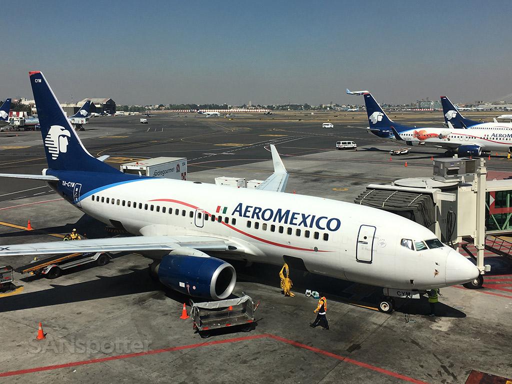 XA-CYM aeromexico 737-700