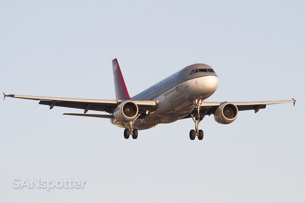 northwest airlines A320 N345NW