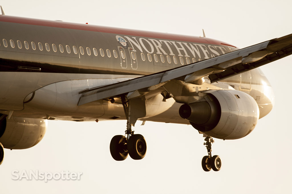 N376NW northwest airlines