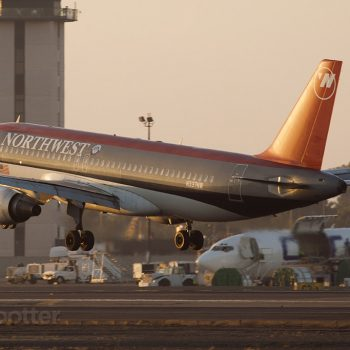 Northwest Airlines A320 N337NW