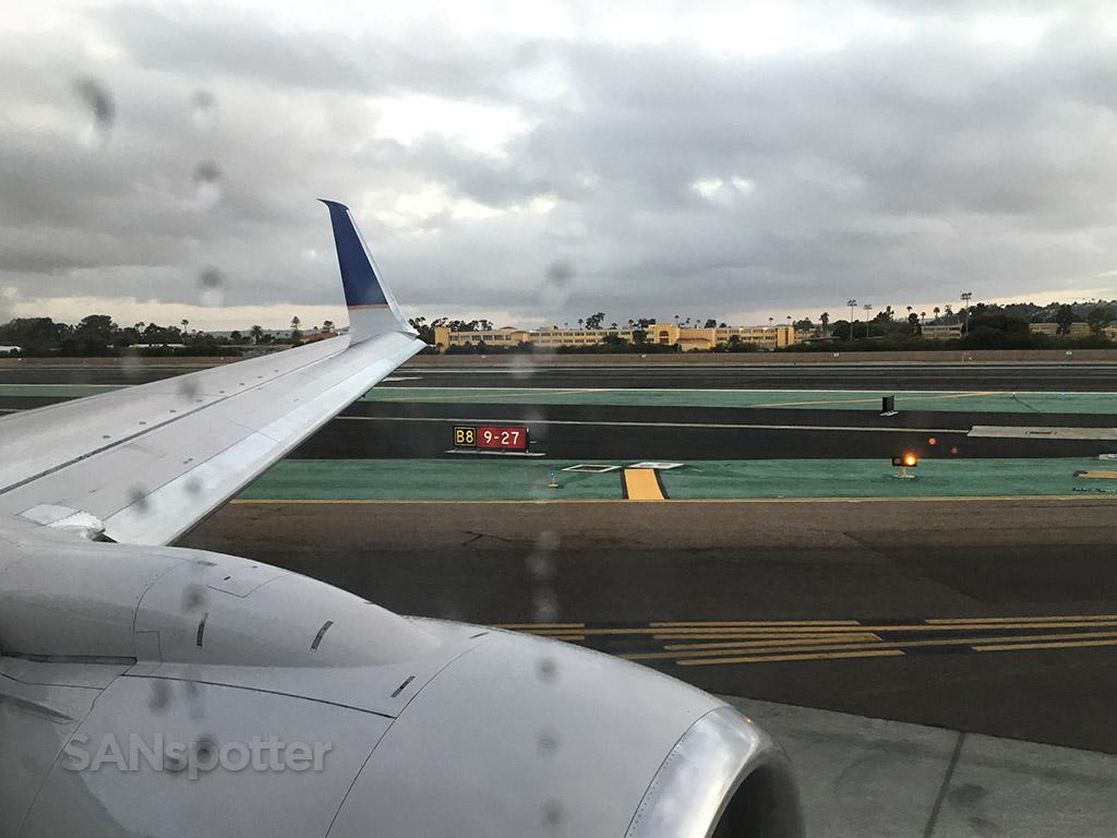 san diego airport runway 27