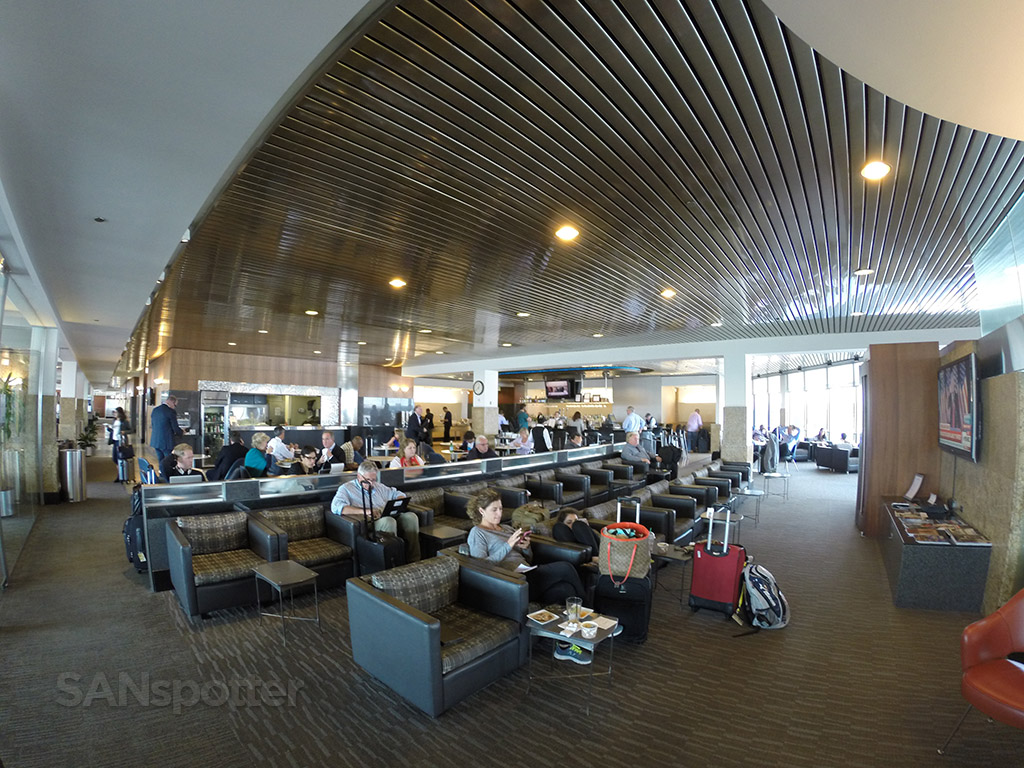 admirals club o'hare overview