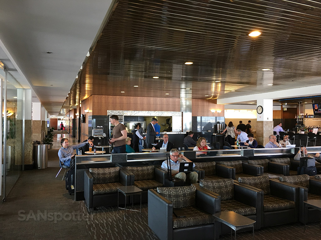 american airlines admirals club o'hare