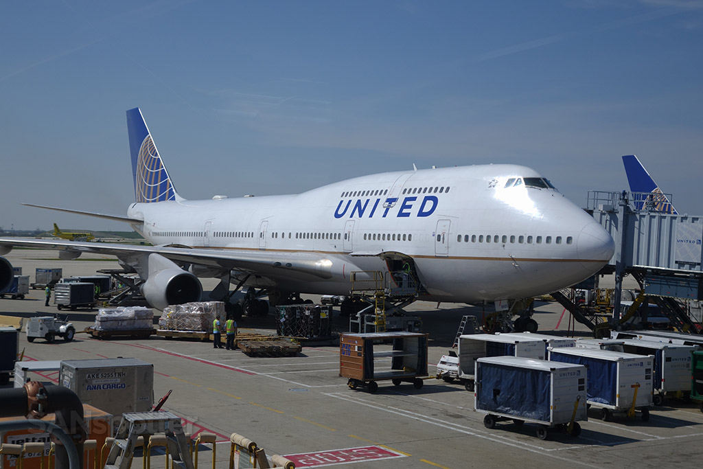 united airlines 747-400 n121ua