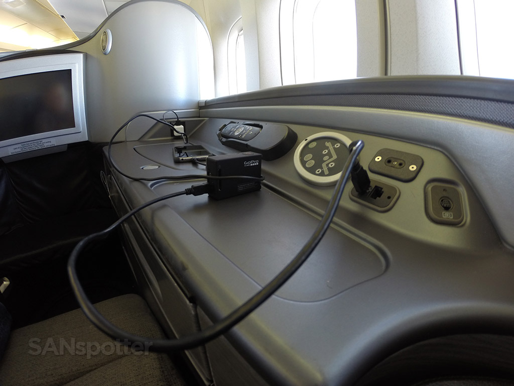 united airlines global first power ports