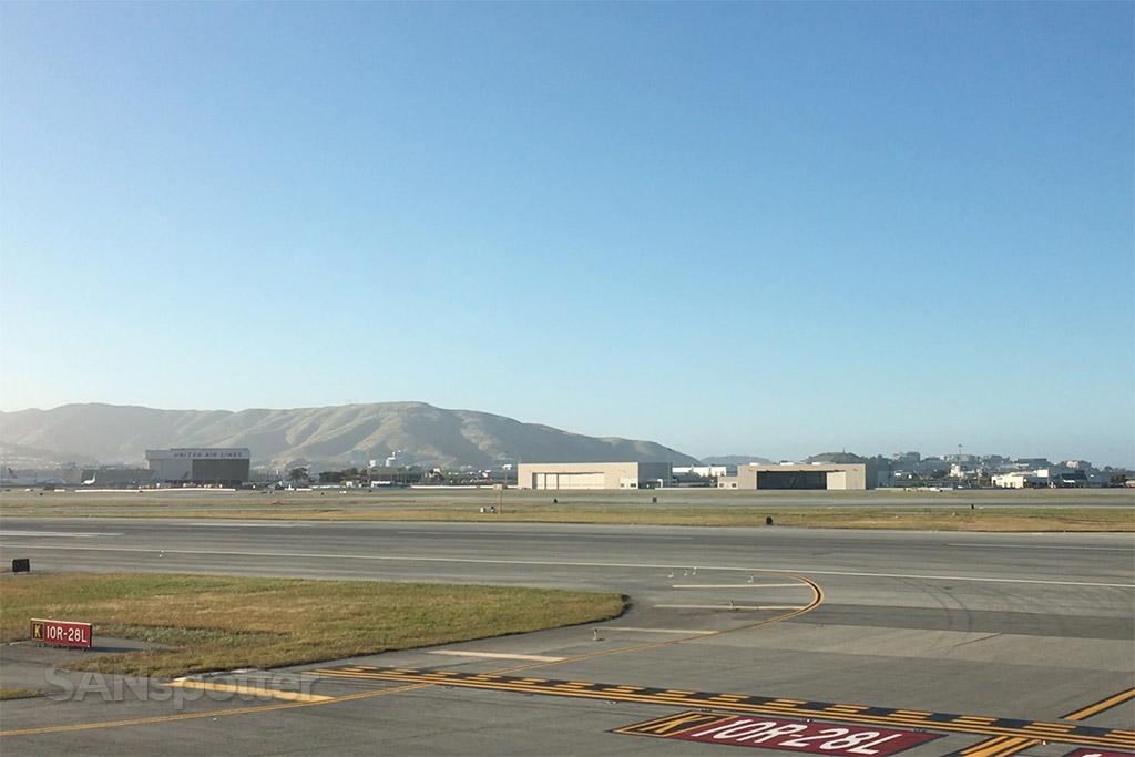 runway 28L SFO