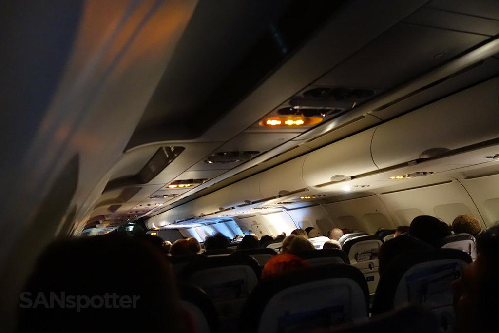 united a320 economy class cabin