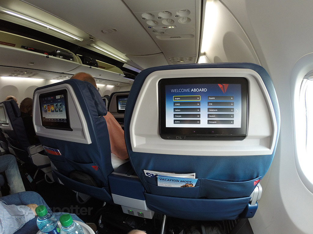 delta 737-900 first class personal video screen