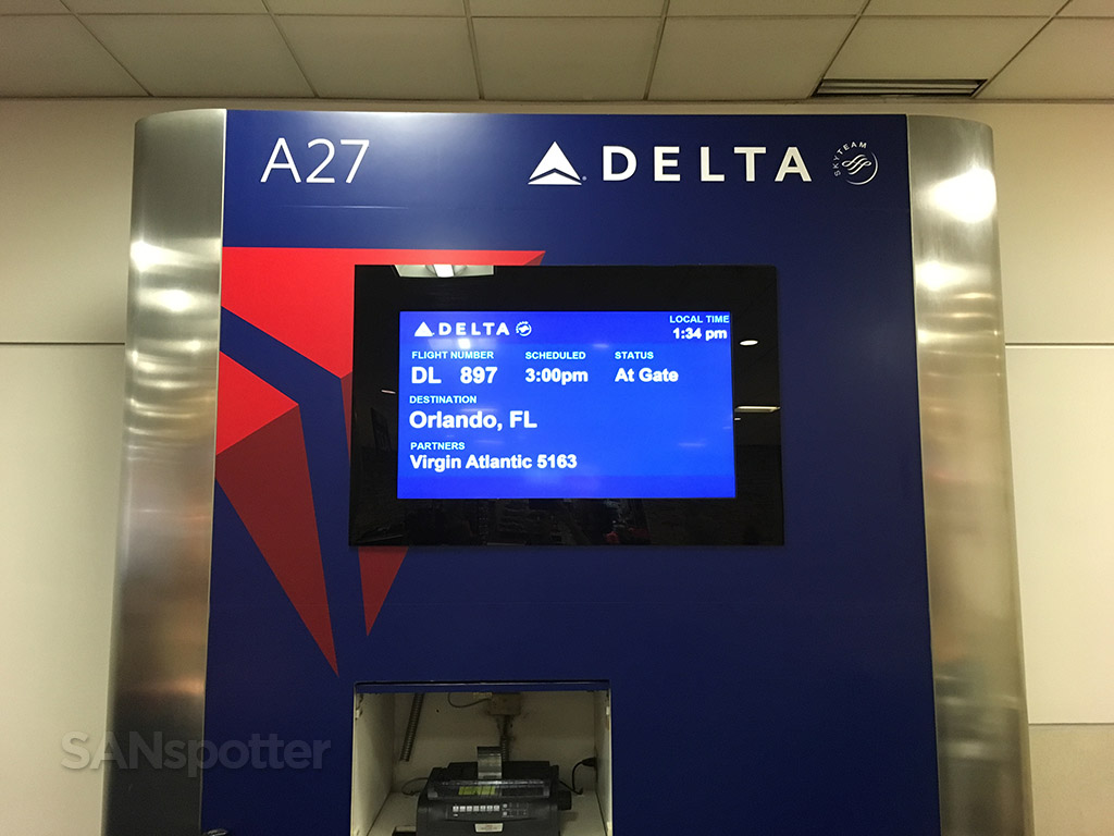 delta flight information display atlanta airport