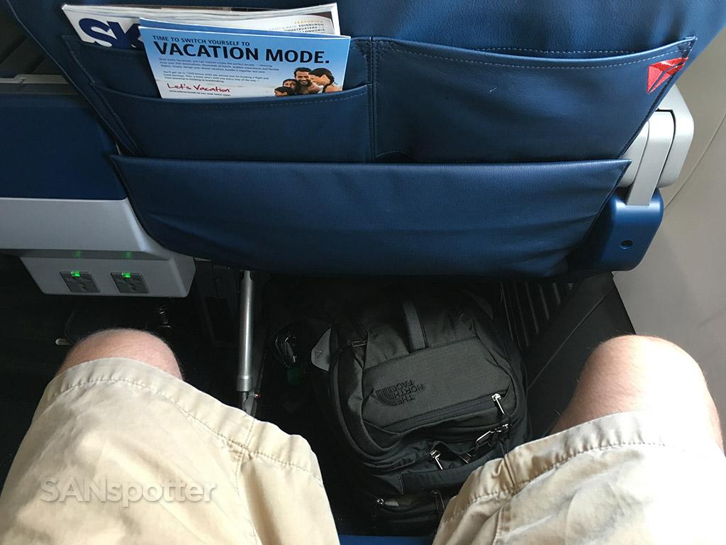delta 737-900 first class leg room