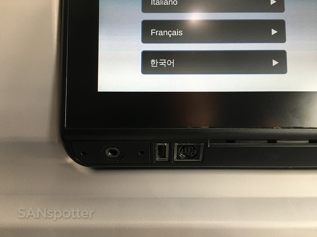 delta 737-900 first class power ports