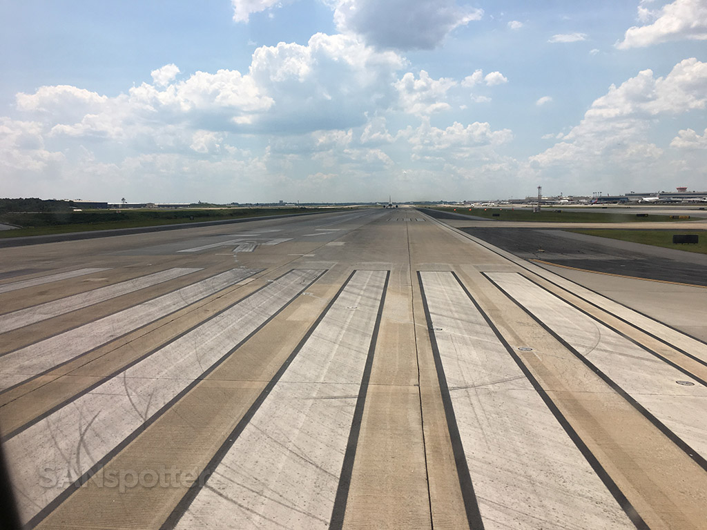 runway 27R ATL
