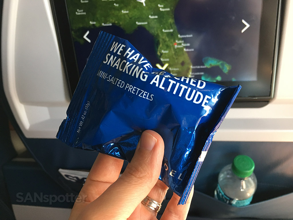 delta in-flight snack