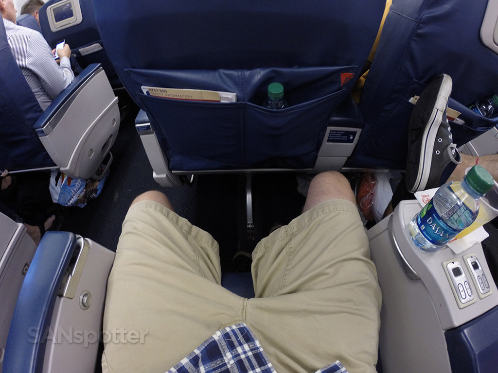 delta domestic first class leg room