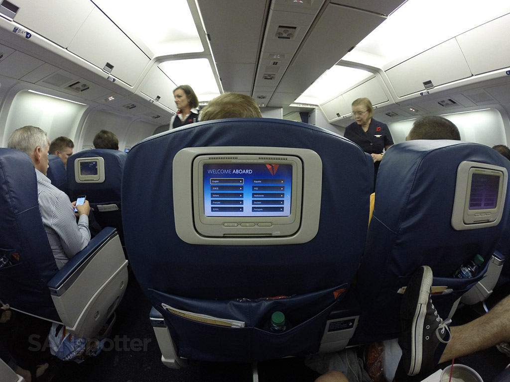 delta domestic 767-300 personal video screen