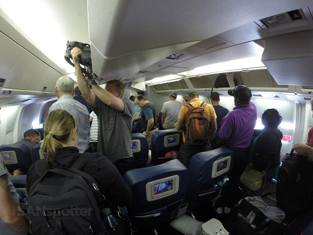 delta airlines 767-300 interior