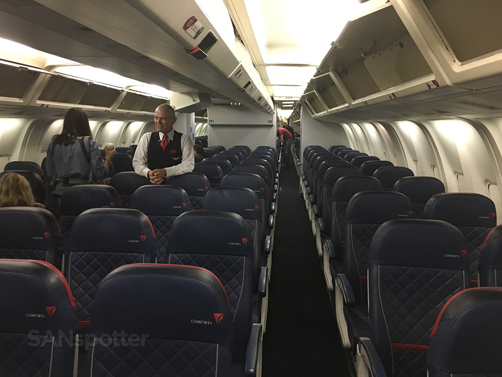 Delta airlines premium economy Comfort Plus