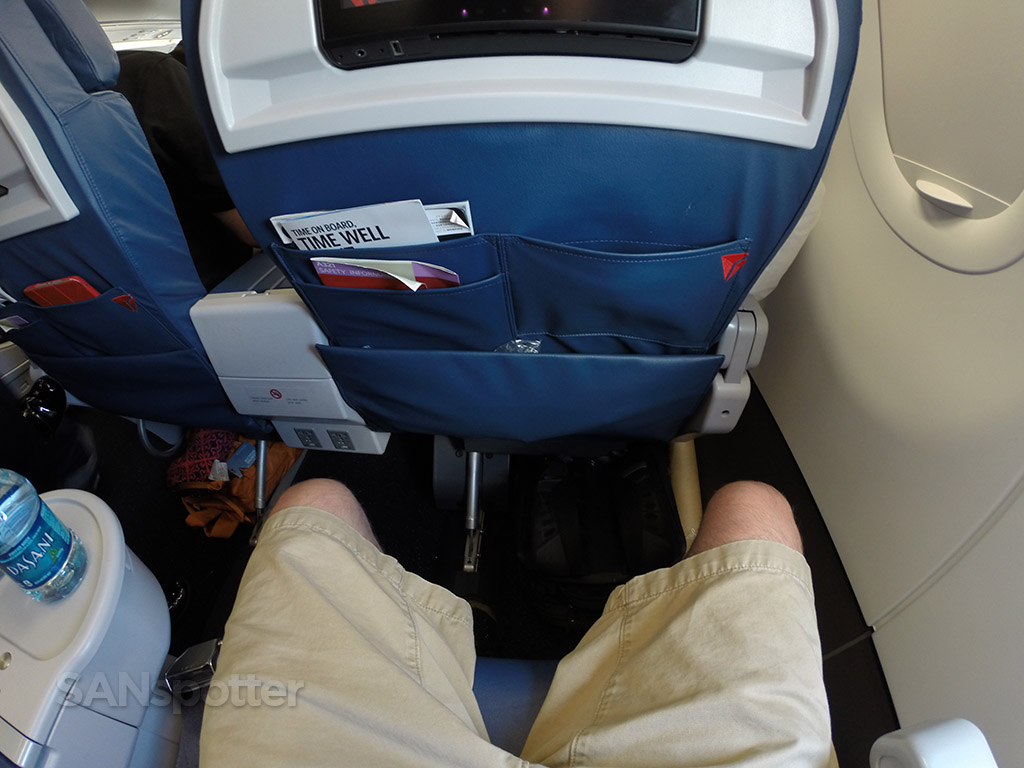 delta airlines a321 first class seat pitch