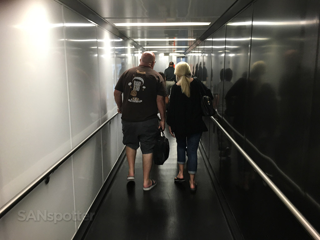 san diego airport jet bridge
