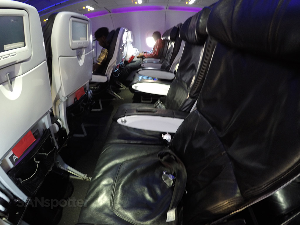 virgin america main cabin seat pitch