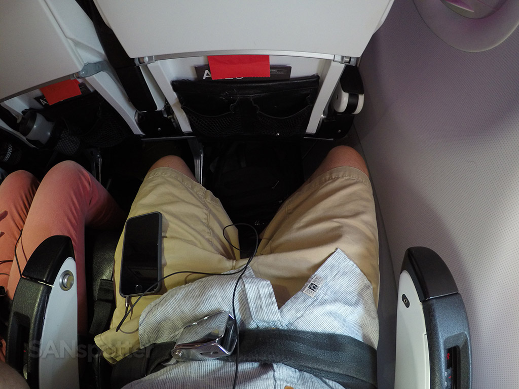 virgin america seat pitch economy class