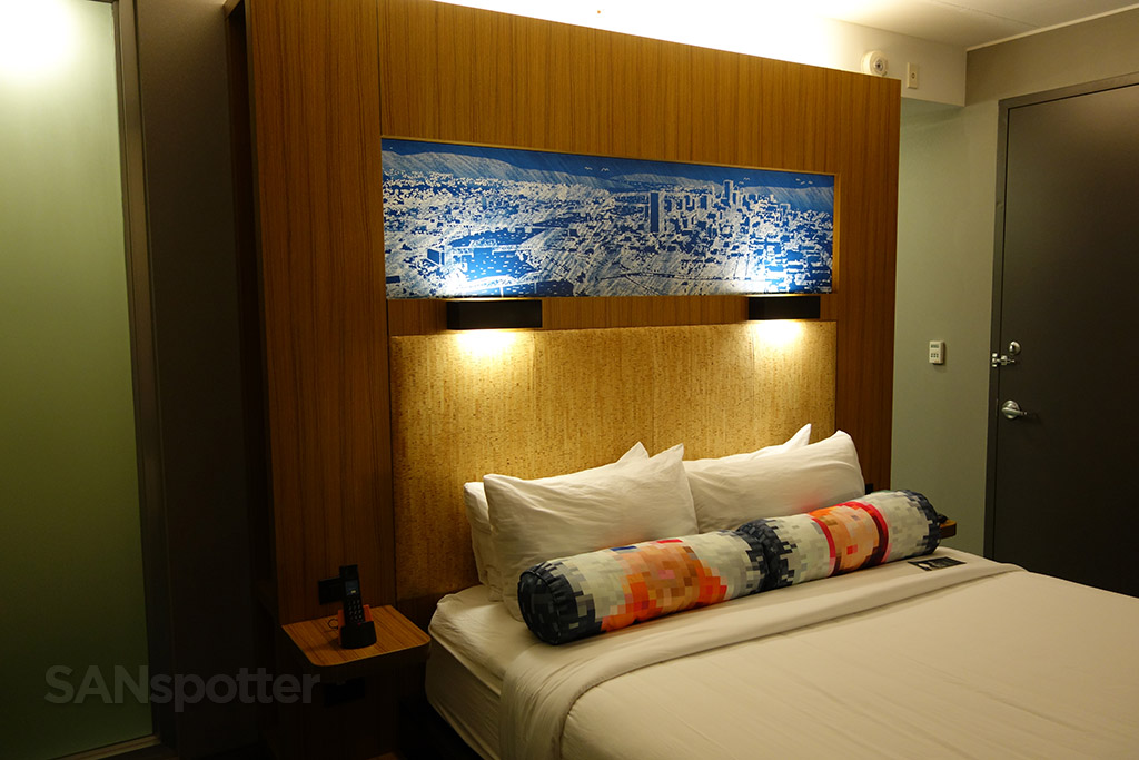 aloft hotel bed