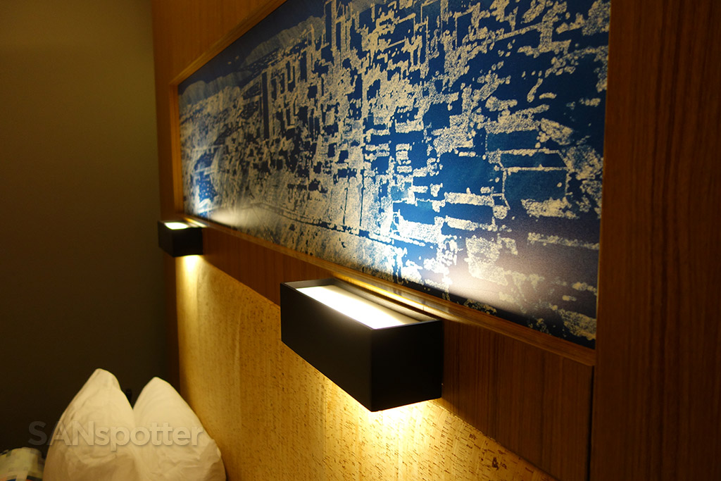 aloft hotel in room lighting
