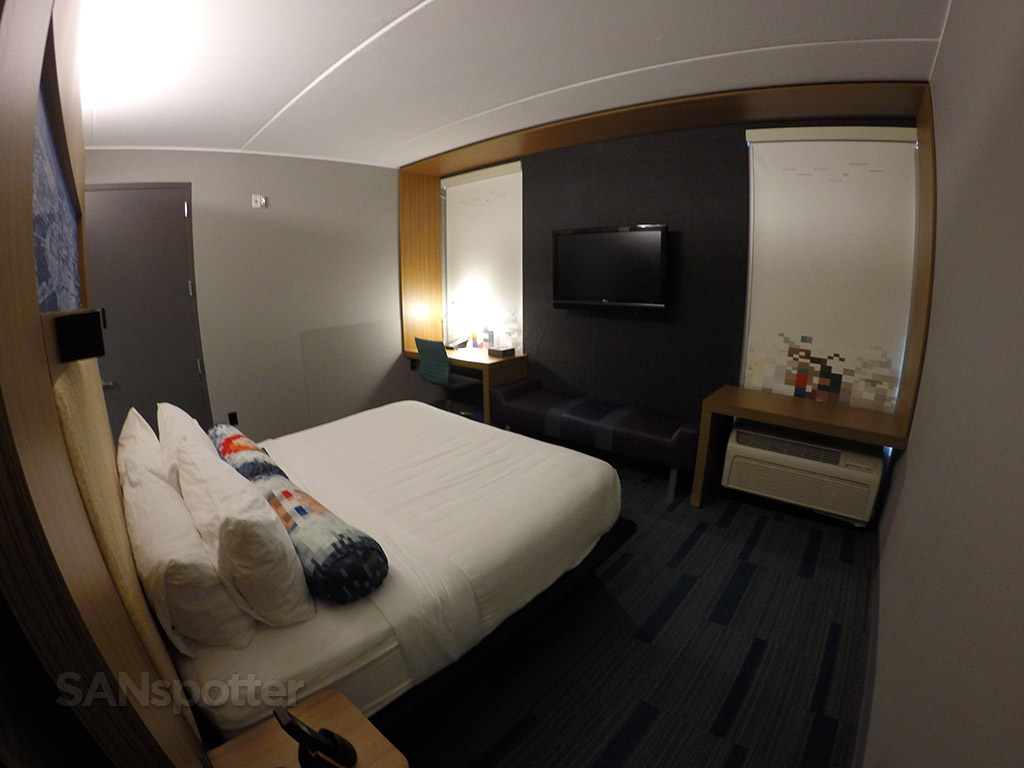 aloft hotel room