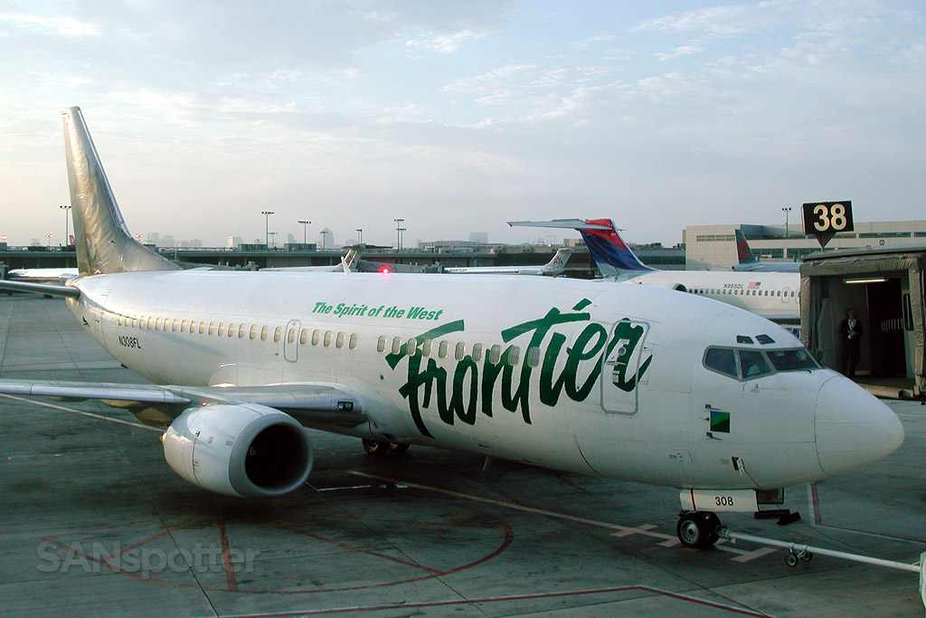 frontier airlines 737-300 san diego