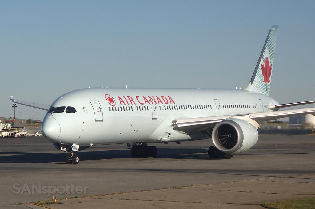 Air Canada 787-9 C-FGEO