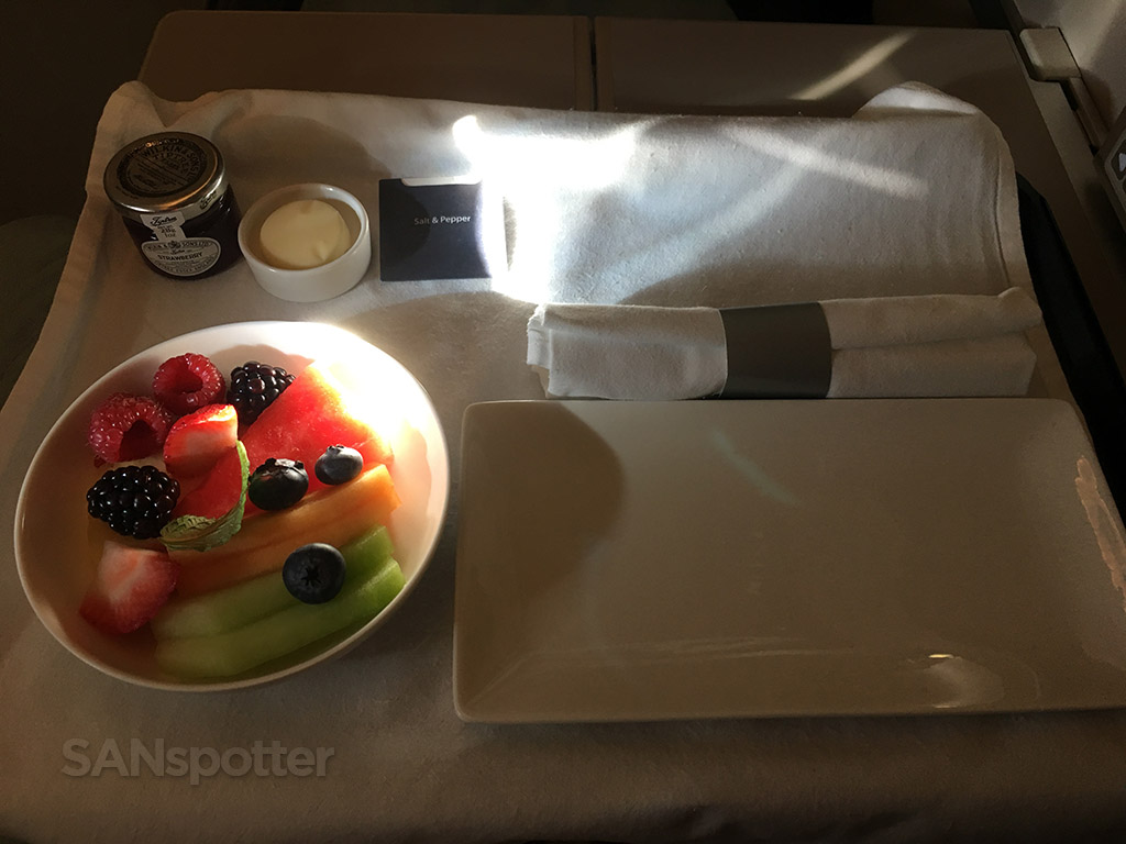 british airways club world breakfast service