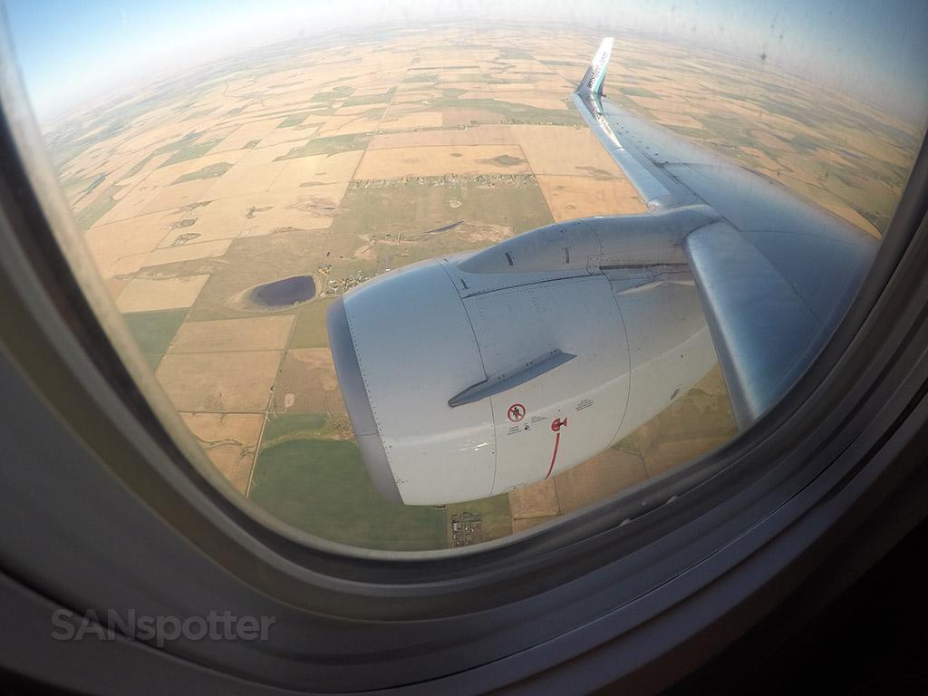 wide angle 737-700 pic