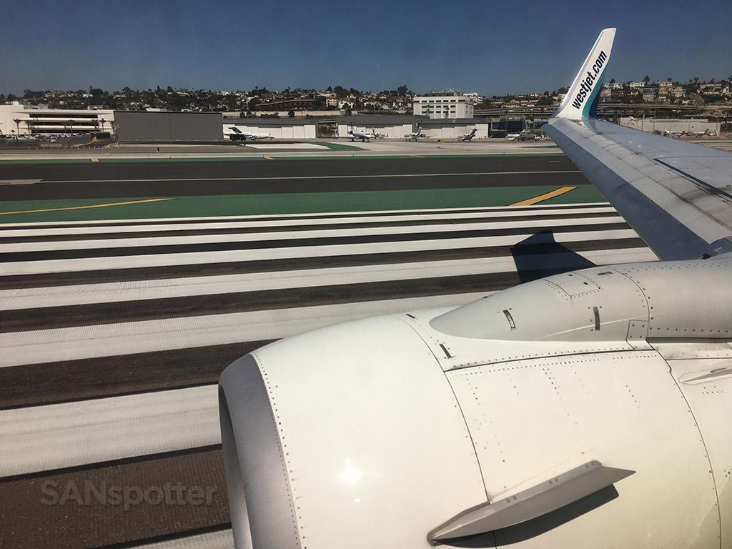 san diego airport runway