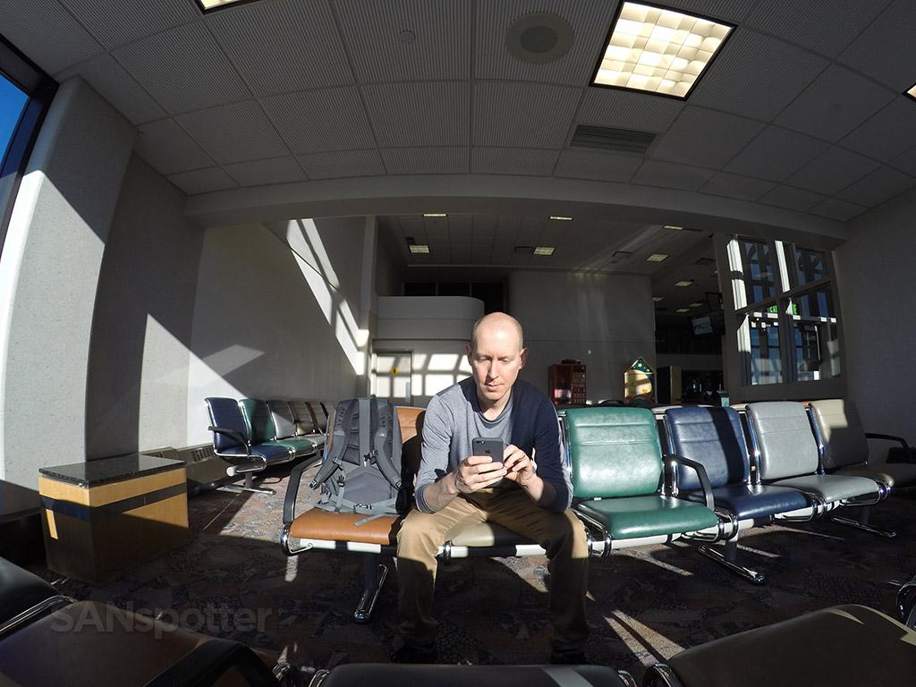 sanspotter airport selfie yyc