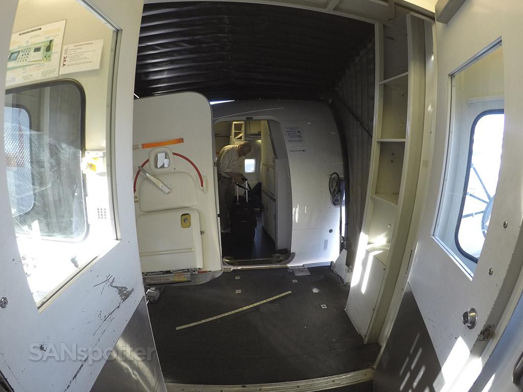 boarding westjet 737-700