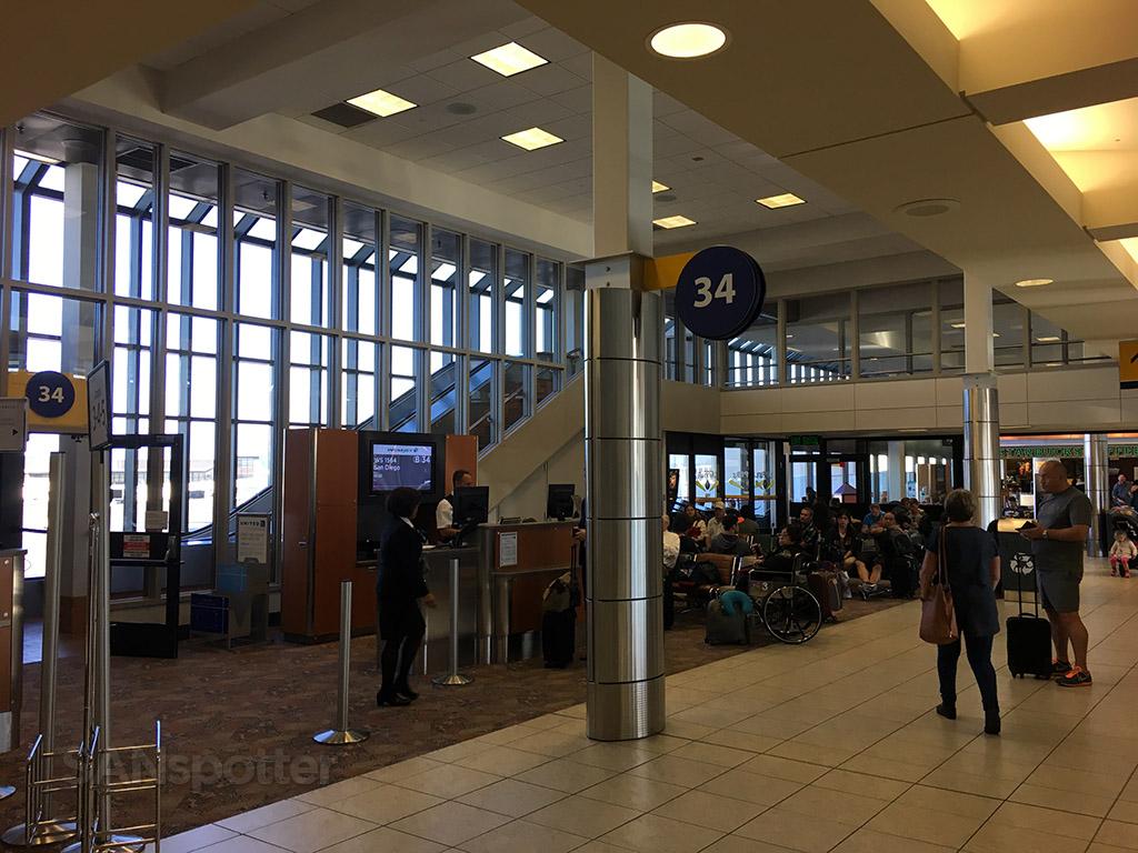 gate 34 yyc calgary airport