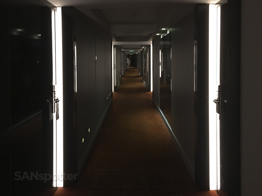 park plaza hotel london hallway