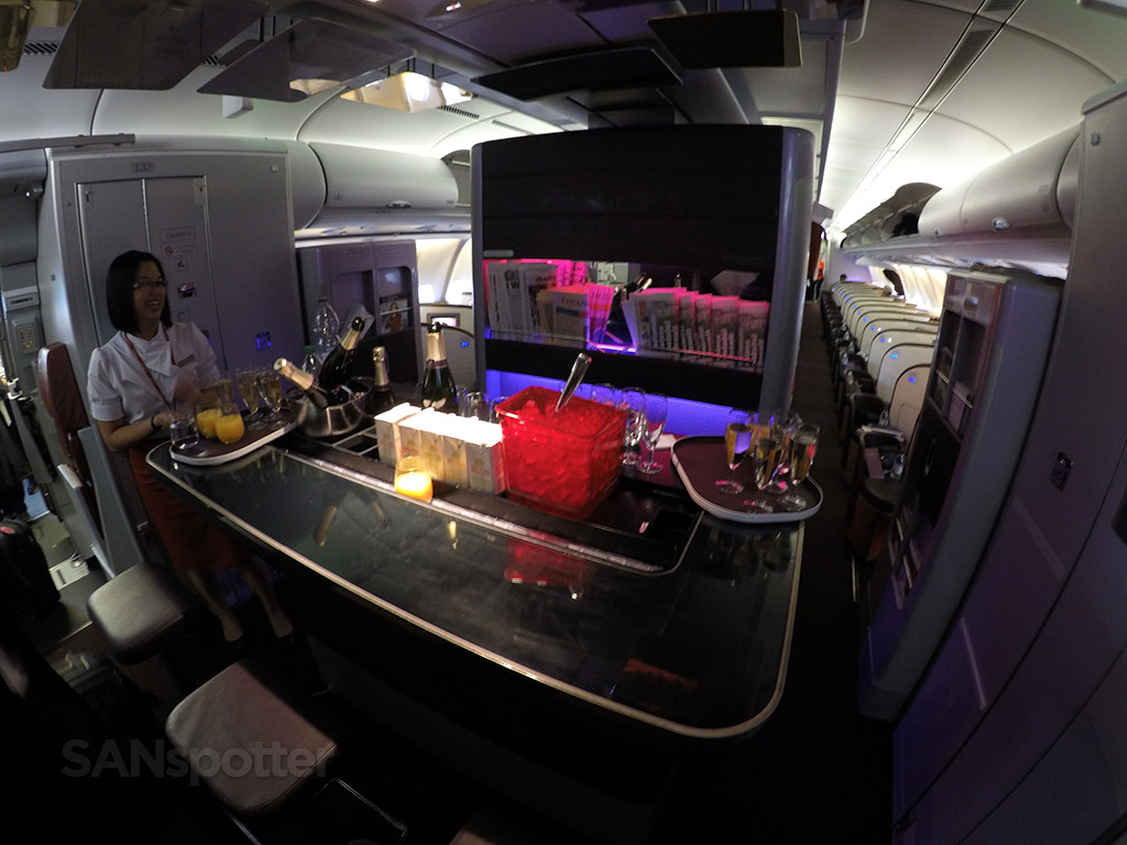 virgin atlantic a340-600 upper class bar