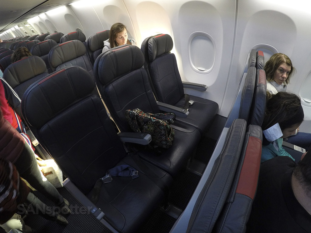 American Airlines 737-800 Main Cabin Extra seats
