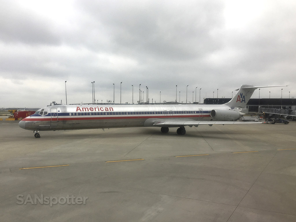american airlines md-83