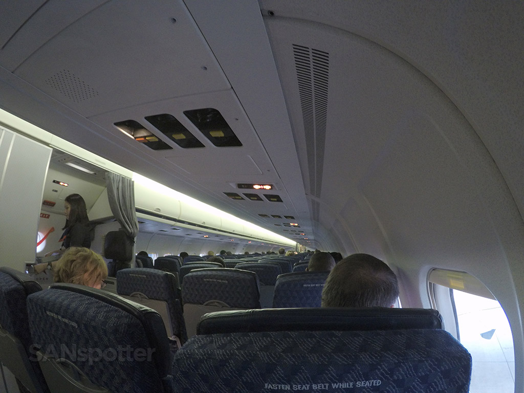 american airlines md-83 interior